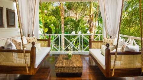 round-hill-hotel-and-villas-premium-luxury-villa-patio